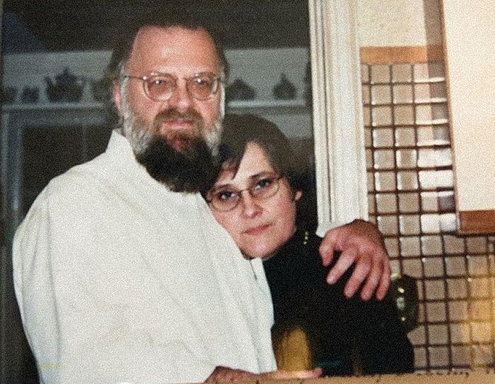 Картинки по запросу картинки Отец Виктор и матушка Мария Потаповы