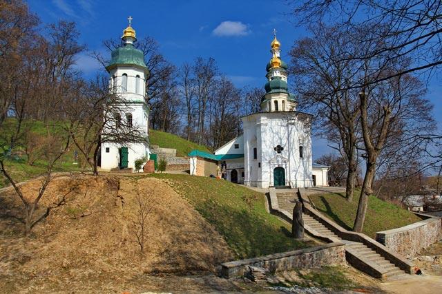 Картинки по запросу Ильинская церковь Украiна. Чернiгiв.