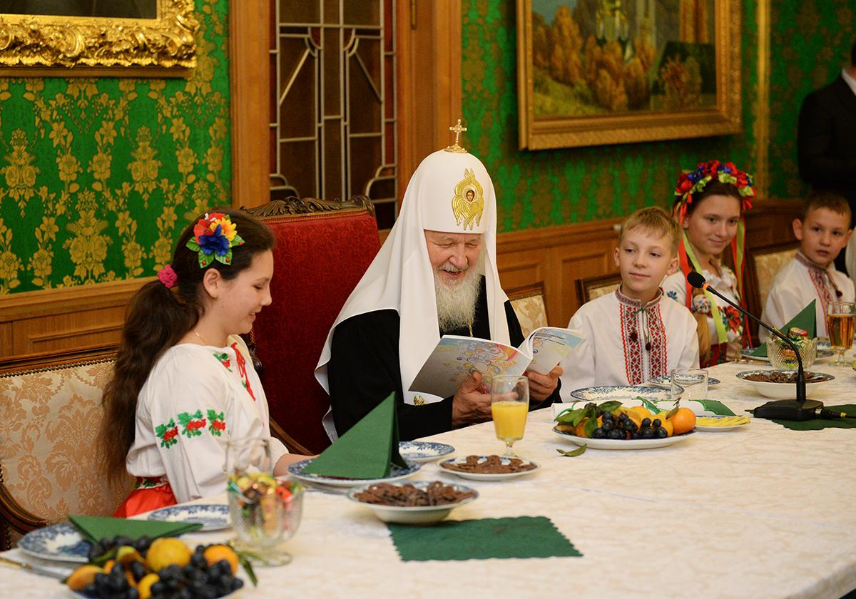 Патриарх кирилл его жена и дети
