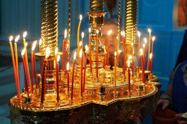 На что поставить свечи если нет подсвечника