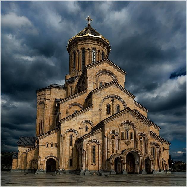 Церковь Св.Троицы Цминда Самеба