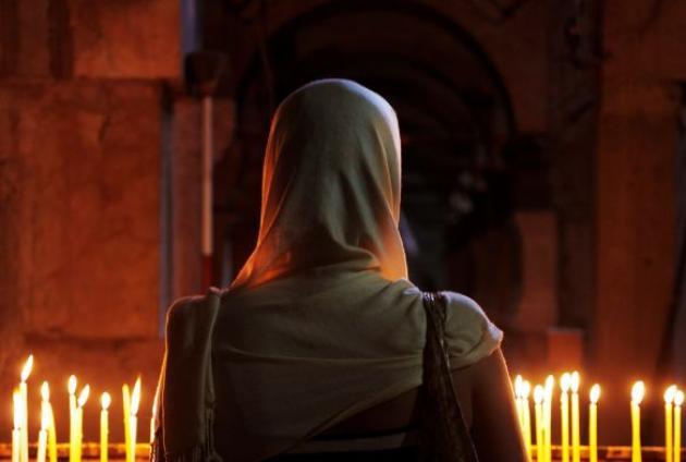 ТАК ВСЕ-ТАКИ, НУЖЕН ЛИ ЖЕНЩИНАМ ПЛАТОК В ХРАМЕ? – Храмовий комплекс на  честь Різдва Христового