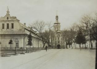 Лавра 1918 год